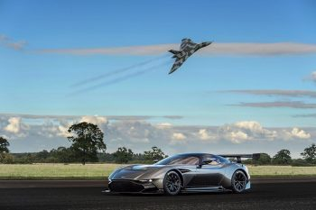 Aston-Martin-Vulcan-1
