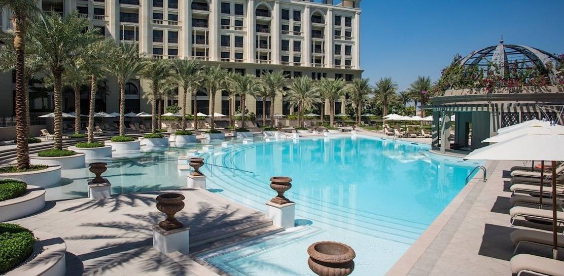 The new palazzo versace dubai is way beyond stunning for Top hotels in dubai 2015