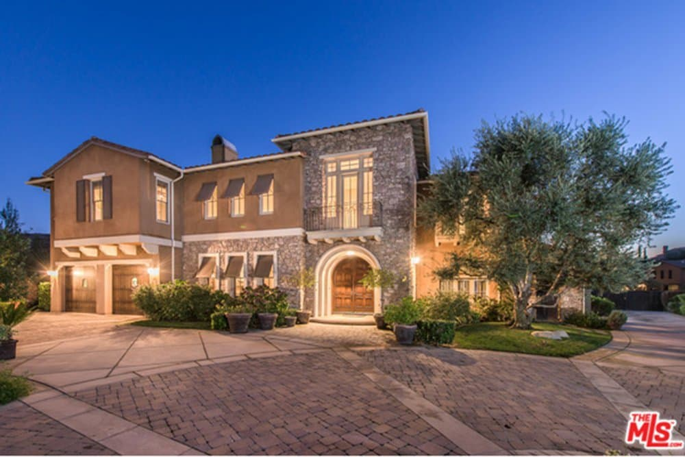 Selena Gomez Is Selling Her Hidden Hills Estate For 4 4m