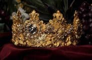 Dolce-Gabbana-Exclusive-Crown-1