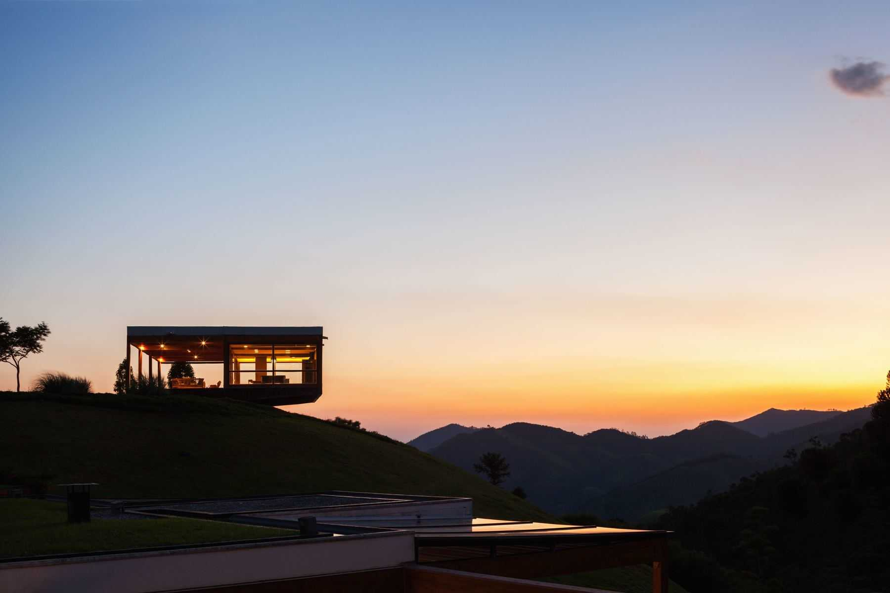 The $11.5 Million Grid House Makes You Want To Move In Brazil