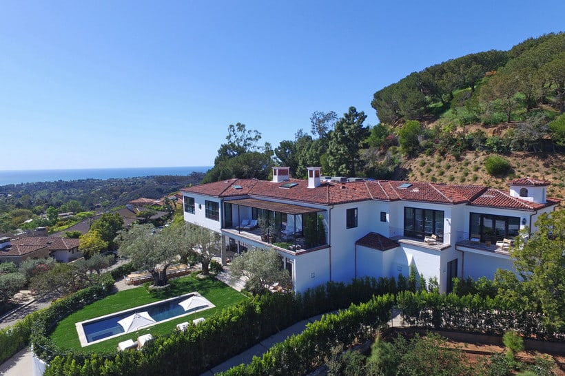 Ronald reagan s pacific palisades estate is up for sale at for Houses for sale in pacific palisades
