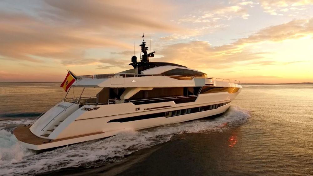 Astondoa's Sophye Superyacht Will Go Straight To Your Heart
