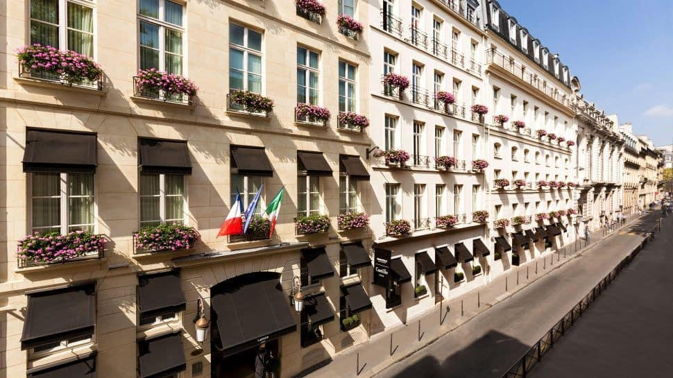 Castille paris a charming hotel in the storied 1st for Charming hotels of the world