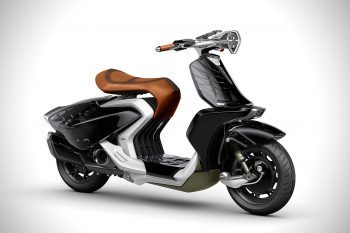 Yamaha-Runway-04Gen-Scooter-1-1