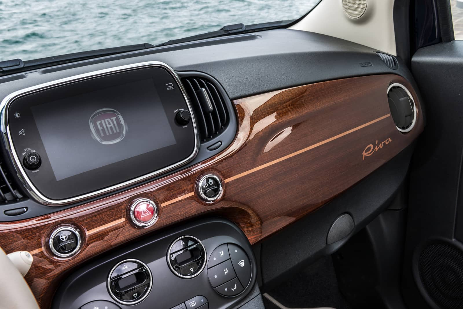 Official-Fiat-500-Riva-Edition-19