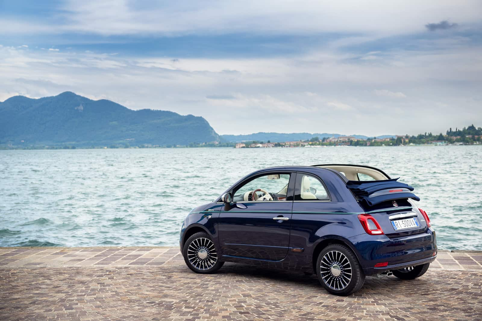 Official-Fiat-500-Riva-Edition-4