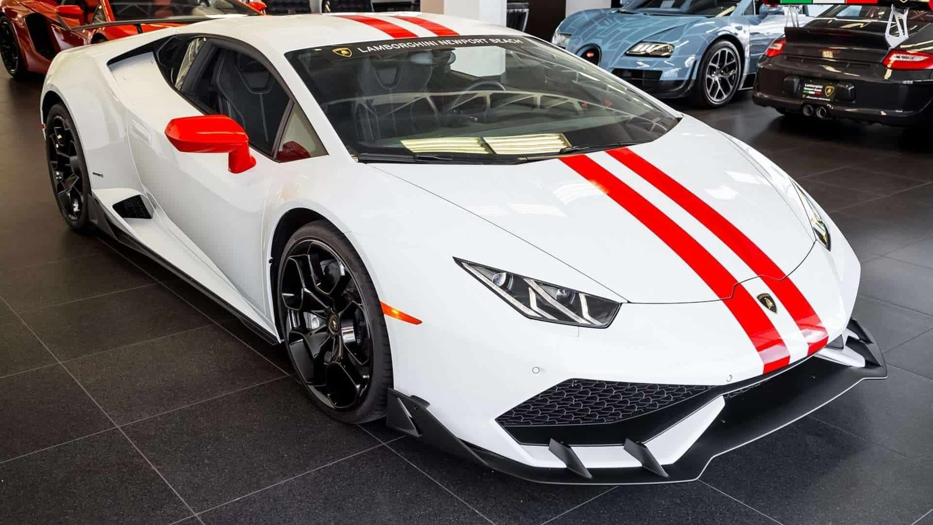 lamborghini 39 s own aero package for the huracan out in the open. Black Bedroom Furniture Sets. Home Design Ideas