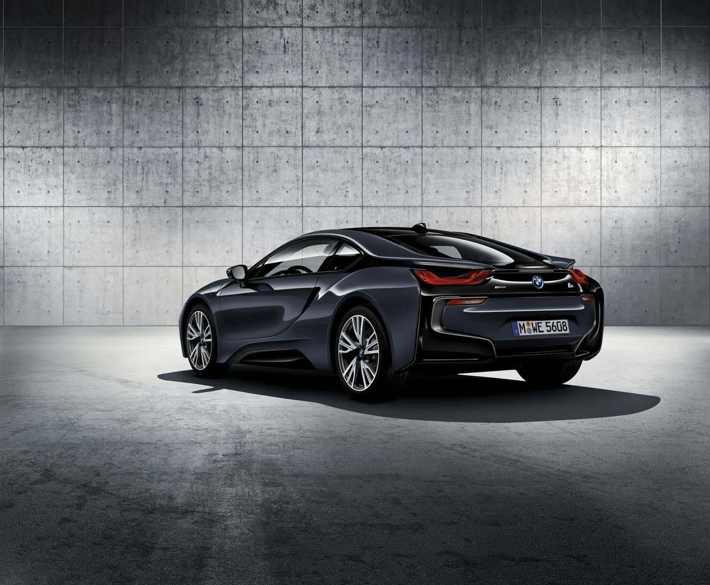 BMW i8 Protonic Silver Edition