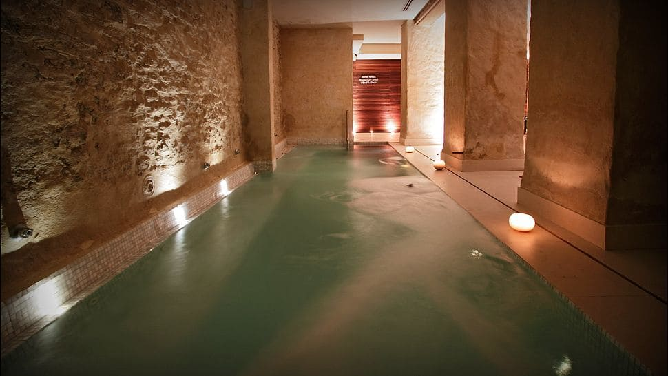 Bask in the magnificence of the eme catedral hotel - Hotel eme sevilla spa ...