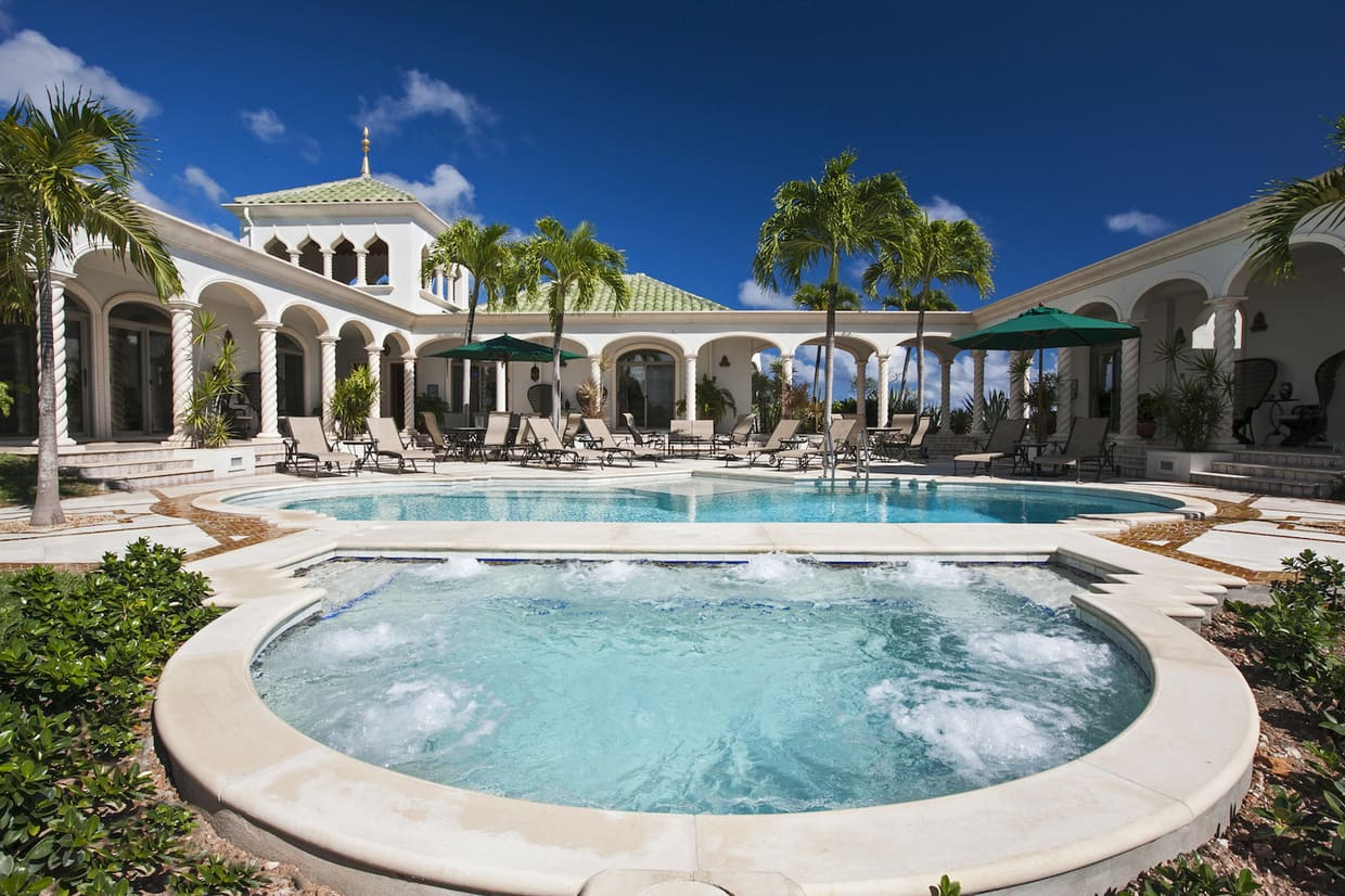 Villa De Milliardaire A Vendre : Once you come up with m villa kismet will be yours