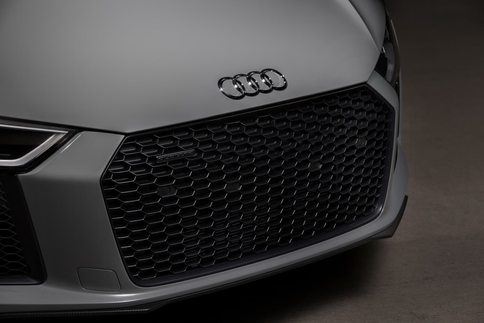 2017-audi-r8-exclusive-edition-laser-headlights-3