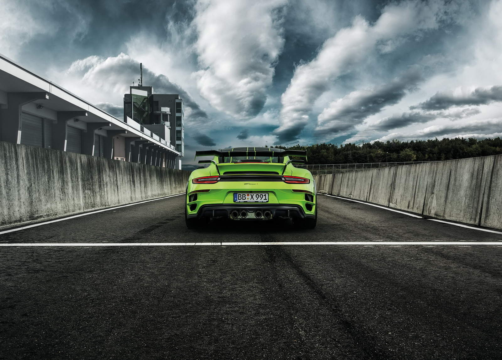 Porsche 911 Turbo GTstreet R