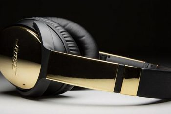 Bose QuietComfort 35 headphones 1