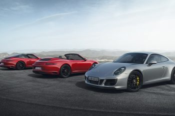 Official 2017 Porsche 911 GTS 1