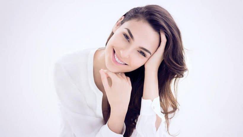 Gal Gadot smiling