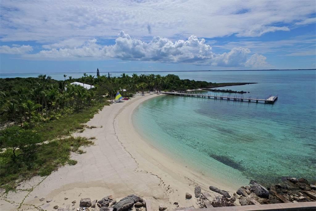 Foot's Cay 23