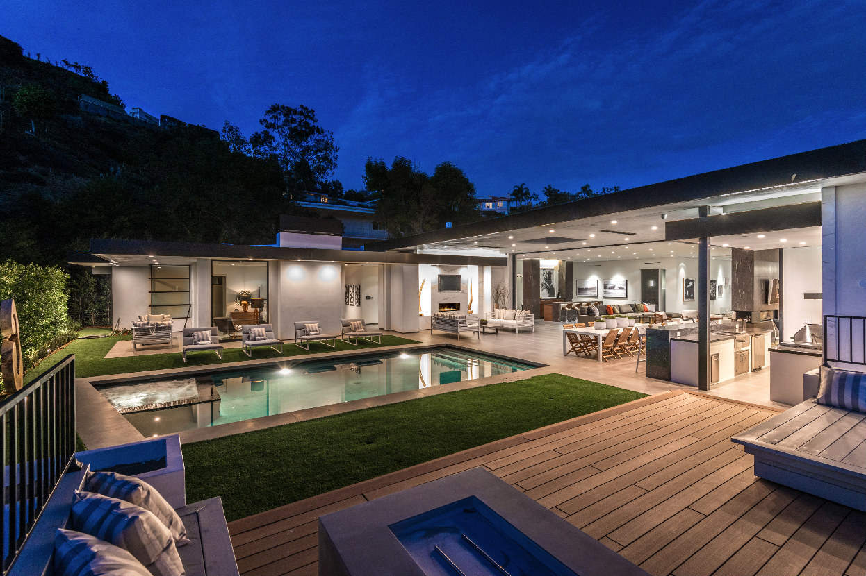 Dean Martin Might Have Loved this lavish Beverly Hills Estate