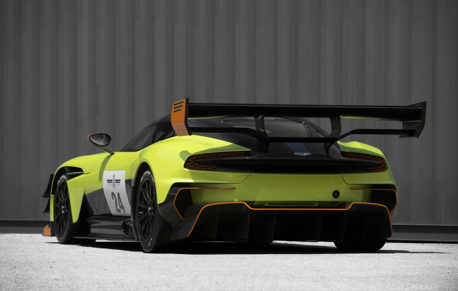 Aston Martin Vulcan AMR PRO 8