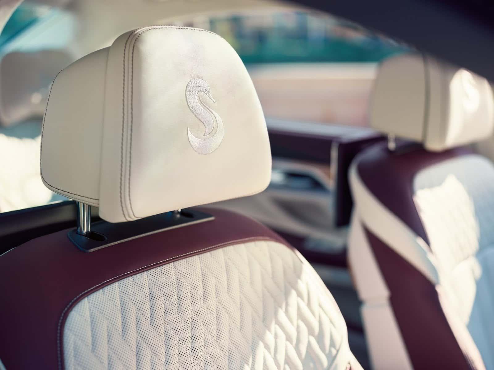 BMW M760Li xDrive V12 Excellence 8