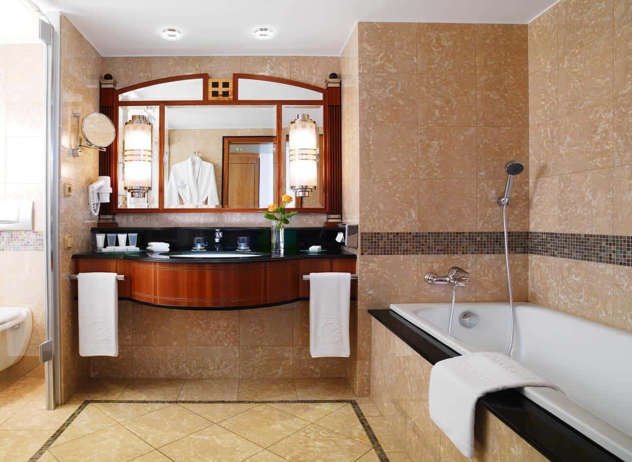 Kempinski Hotel Corvinus Budapest Room Bathroom