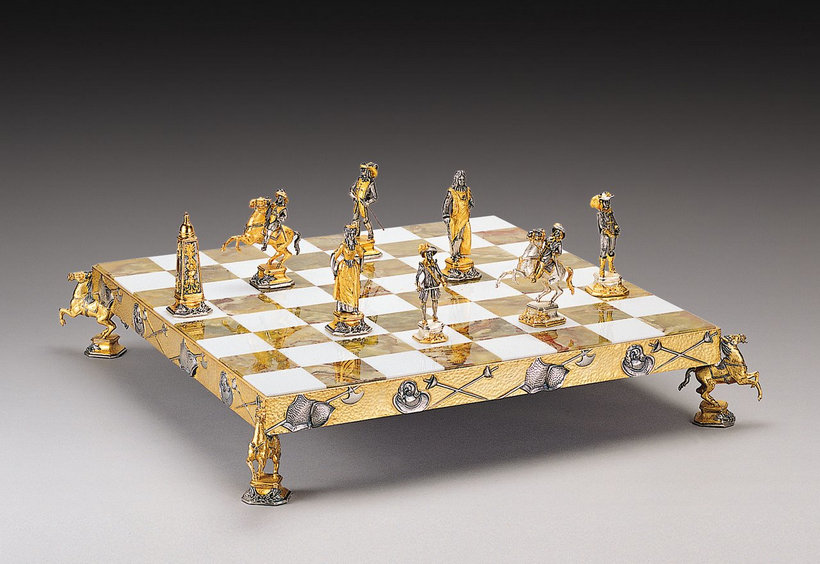 Piero Benzoni Chess Set
