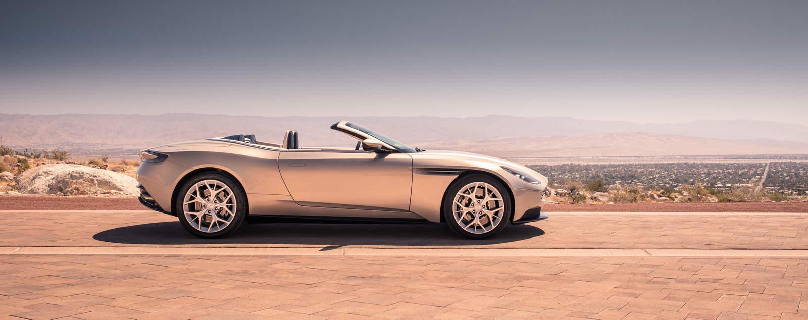 Aston Martin DB11 Volante 05