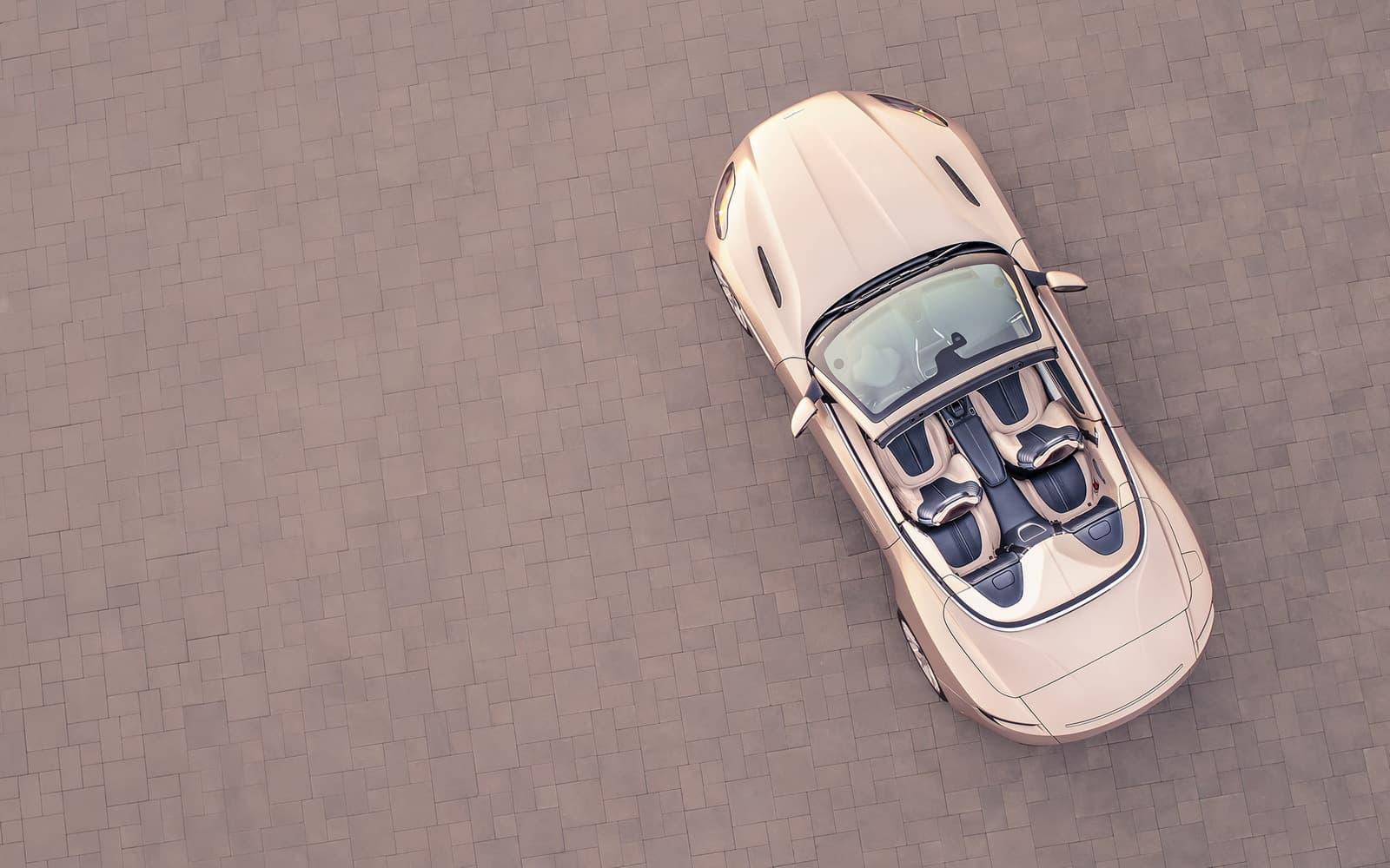 Aston Martin DB11 Volante 07