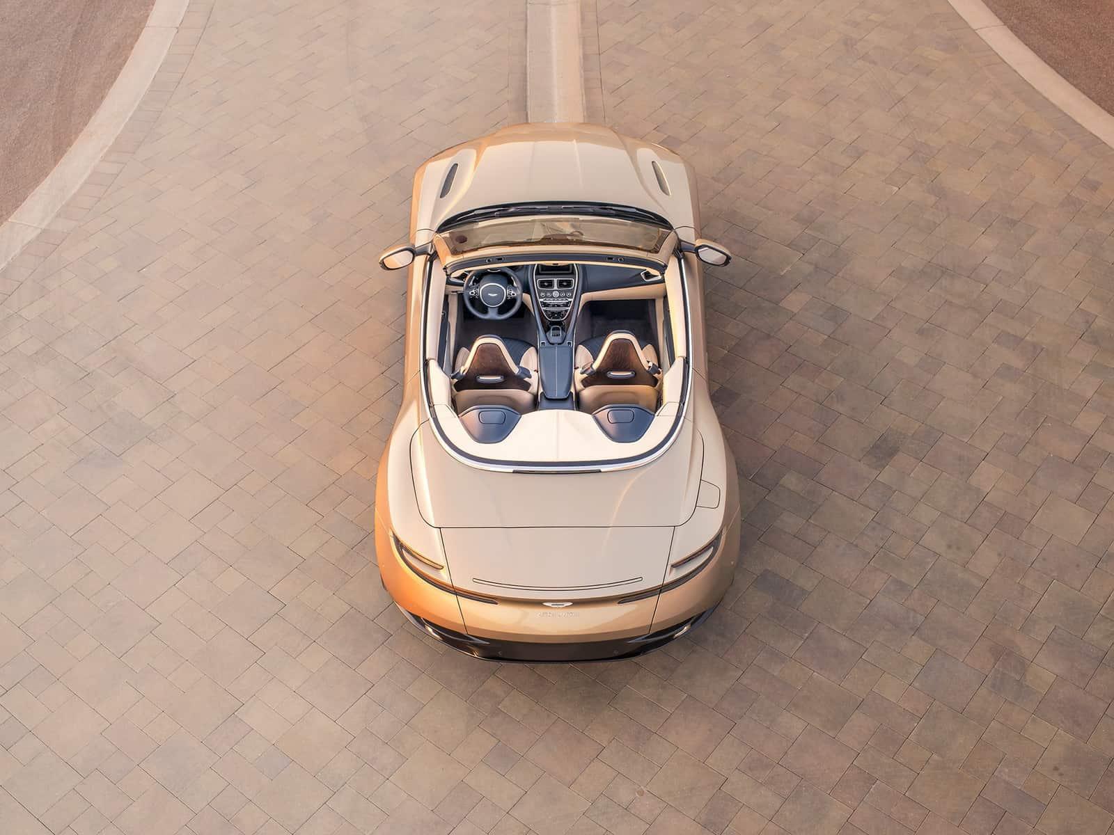 Aston Martin DB11 Volante 09