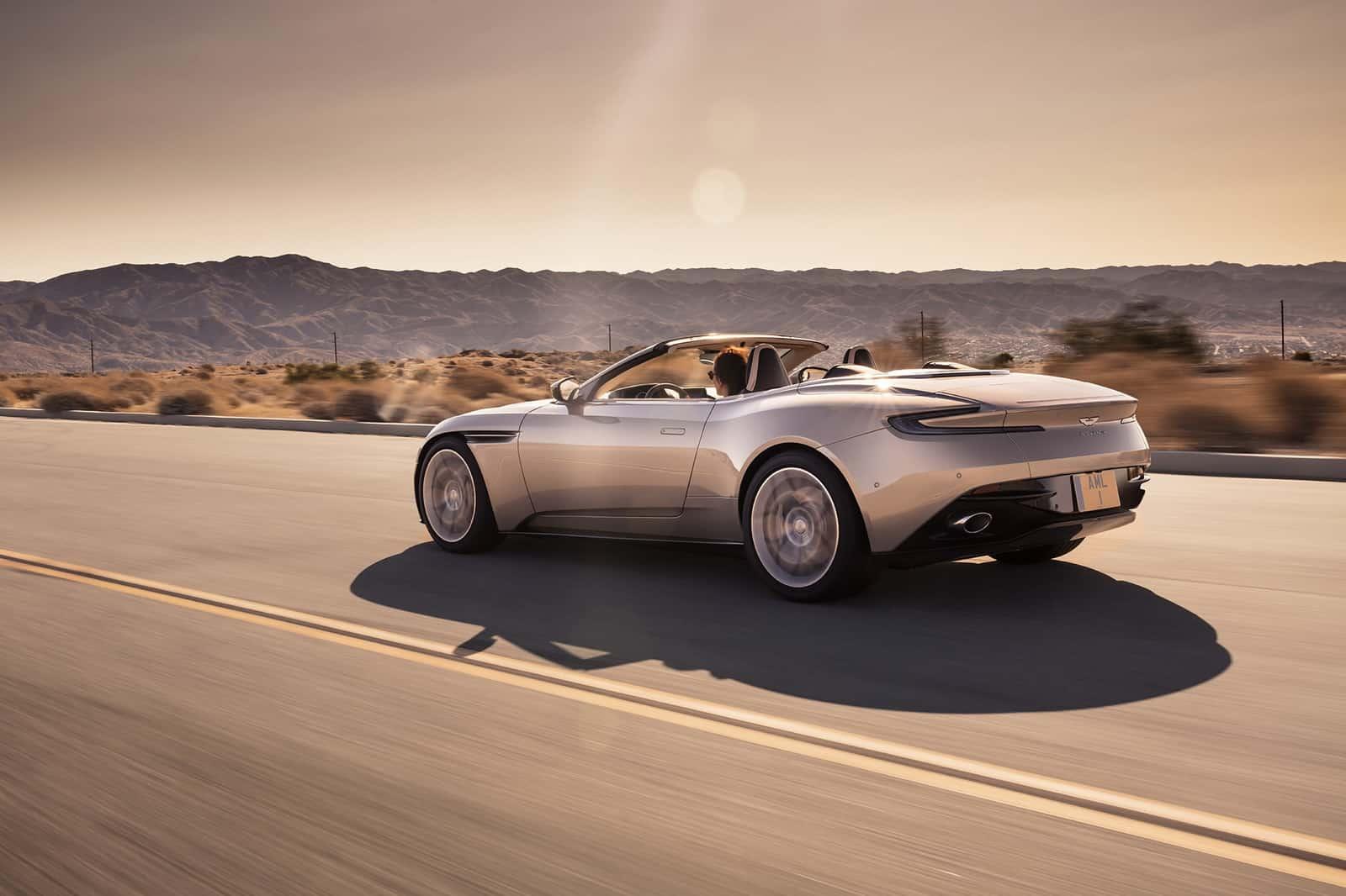 Aston Martin DB11 Volante 15
