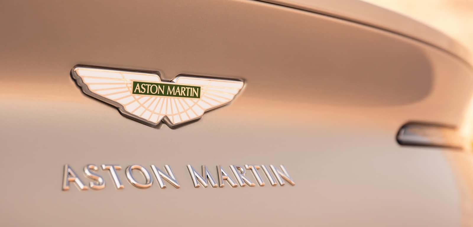 Aston Martin DB11 Volante 22