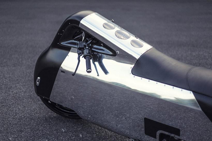 VX-1 Maxi Scooter