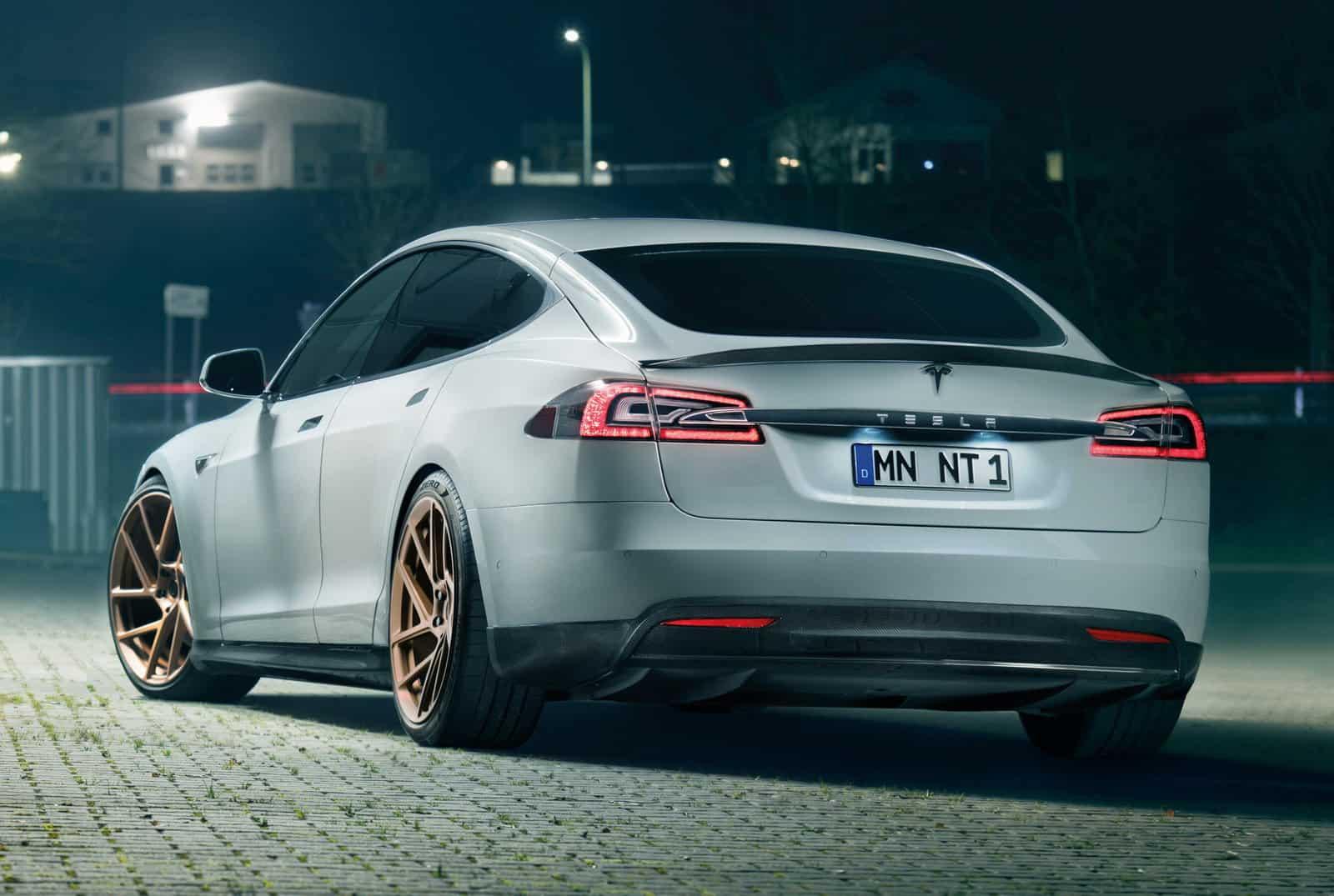 Tesla Model S Novitec