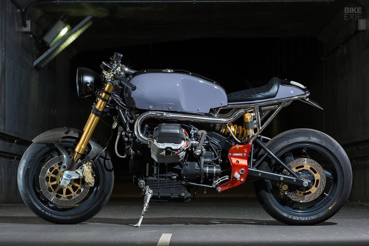 the moto guzzi v11 sport receives the japanese treatment. Black Bedroom Furniture Sets. Home Design Ideas