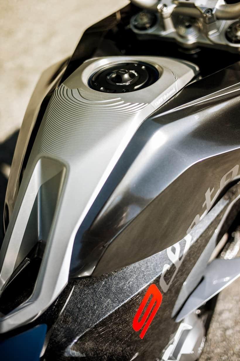 BMW motorrad concept 9cento 10