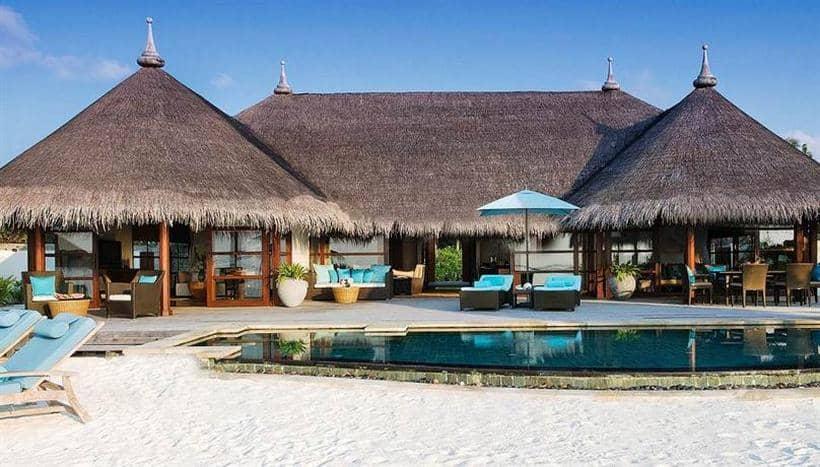 Four Seasons Resort Maldives at Kuda Huraa 1