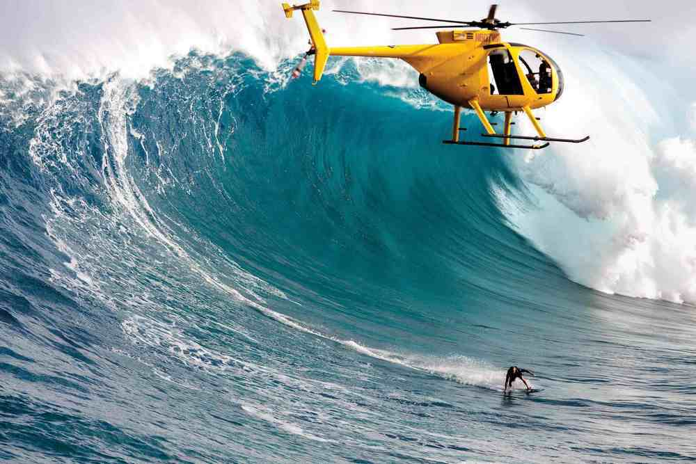 Helicopter Surfing
