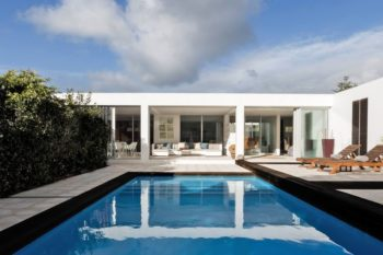 White Exclusive Suites & Villas 1