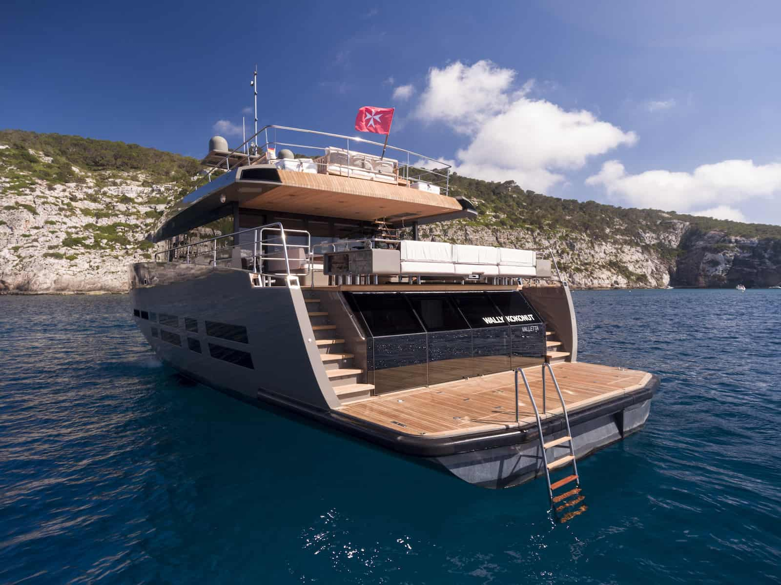 luxury-yacht-sales-M-Y WALLY KOKONUT-aft