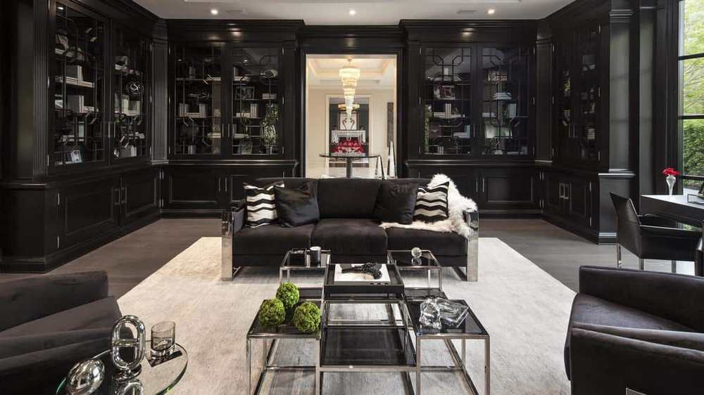 Floyd Mayweather blacked out living room