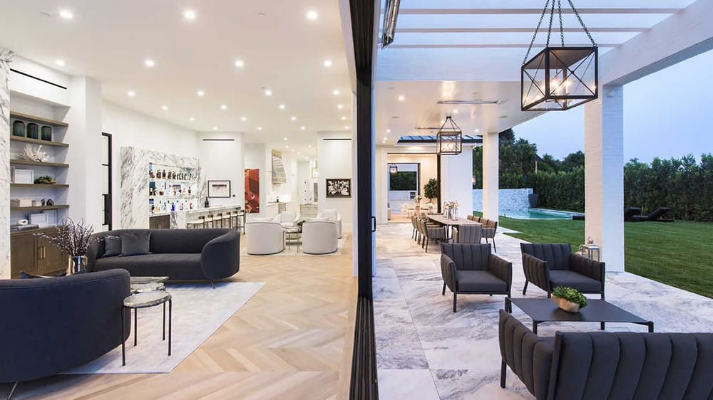 Lebron James Long and Super Spacious Living Room
