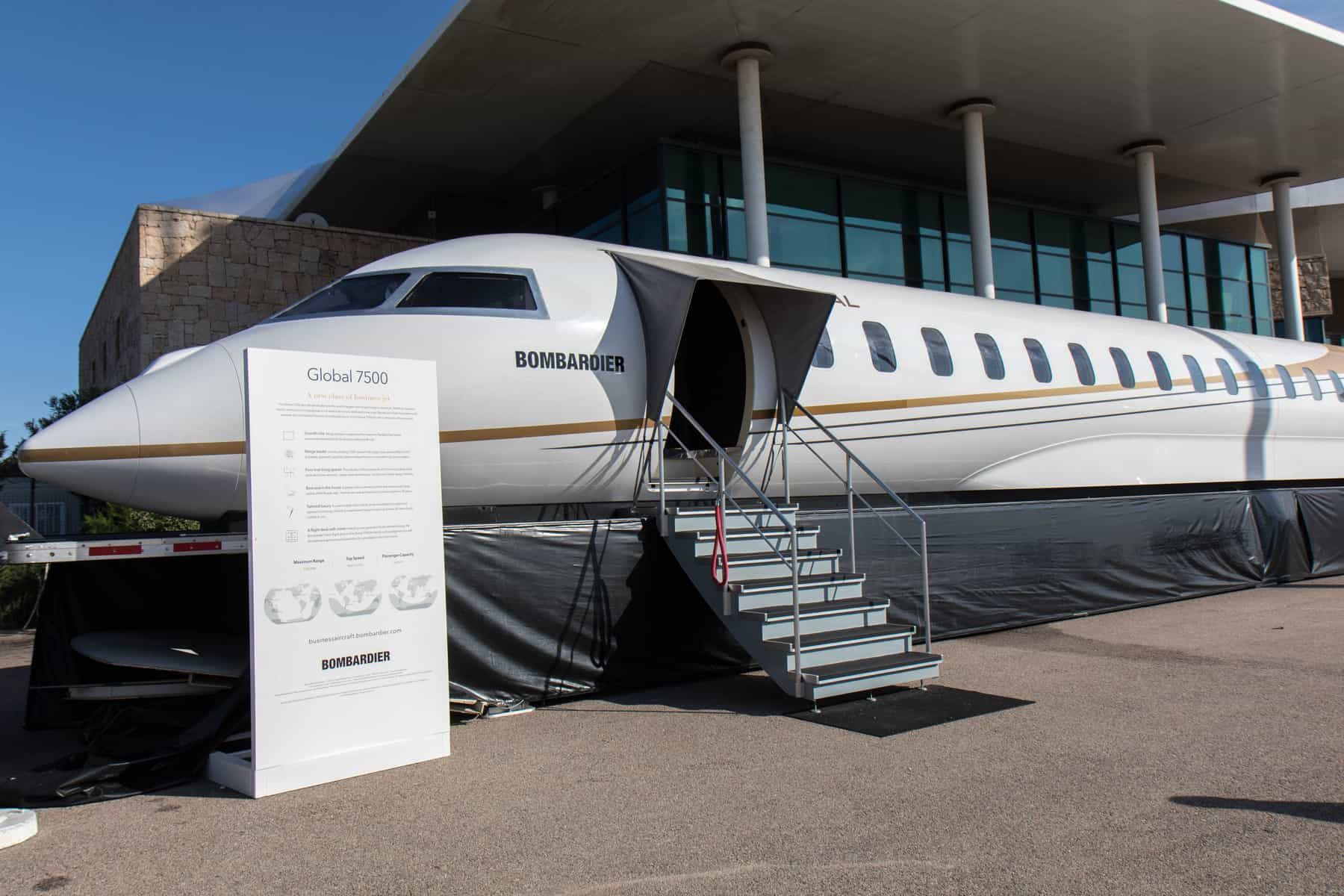 Bombardier Global 7500 mock up