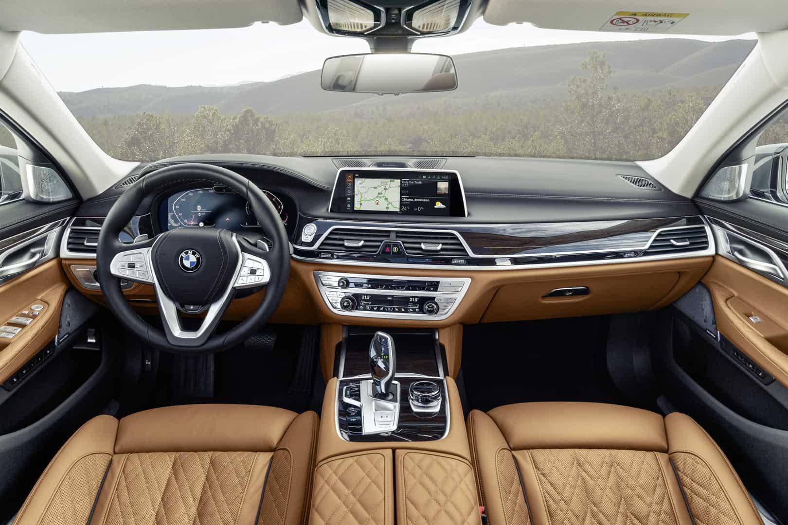 2020-BMW-7-Series-11