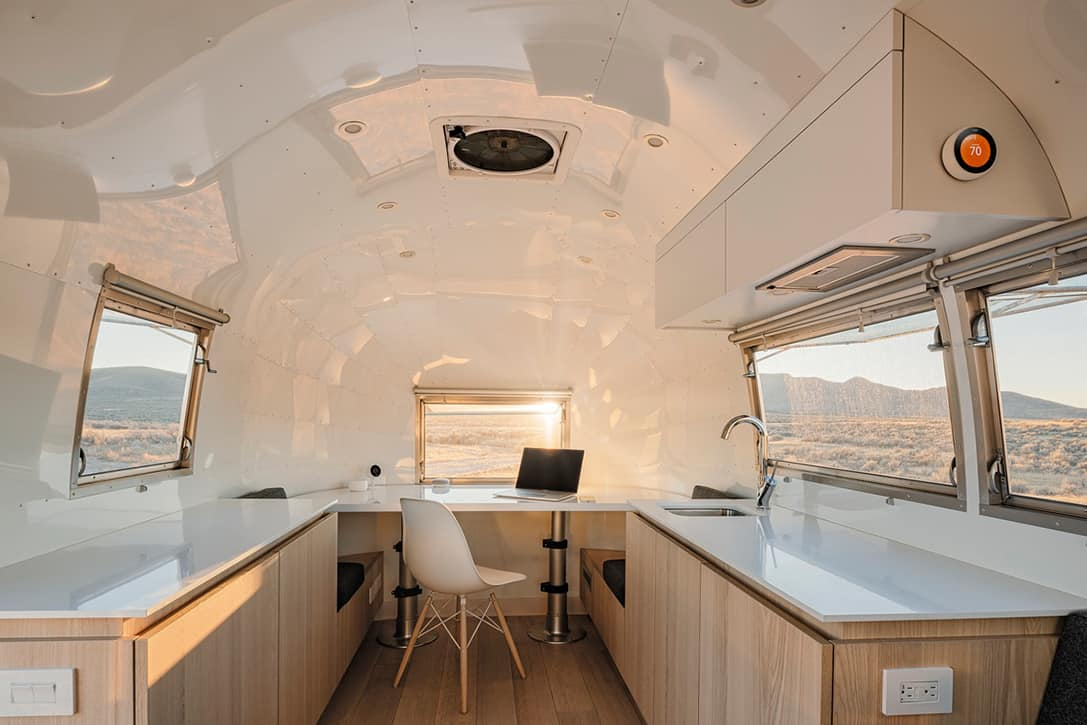Airstream-Bambi-II-Mobile-Office-By-Edmonds-Lee-2