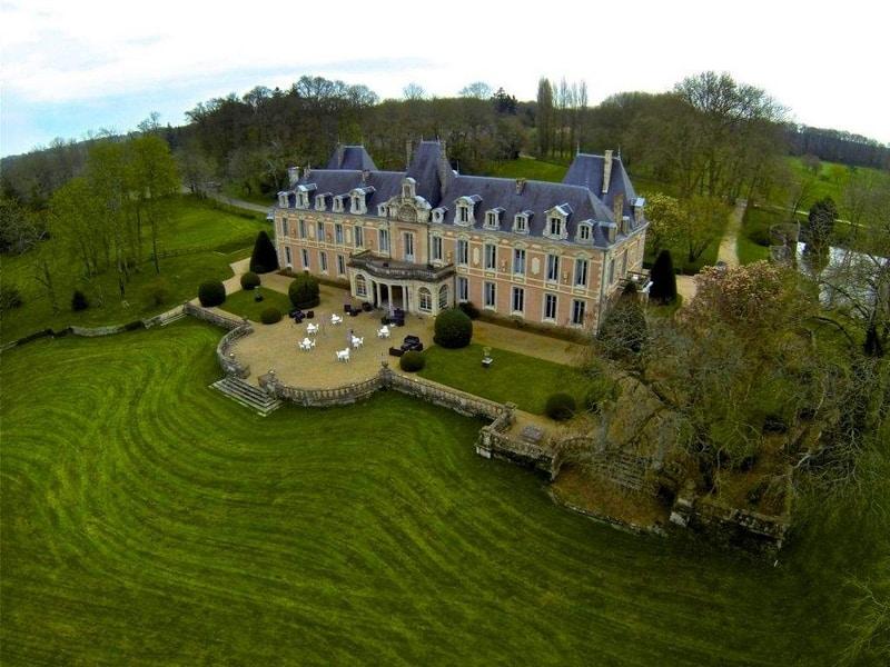 Chateau-du-Petit-Chene-1
