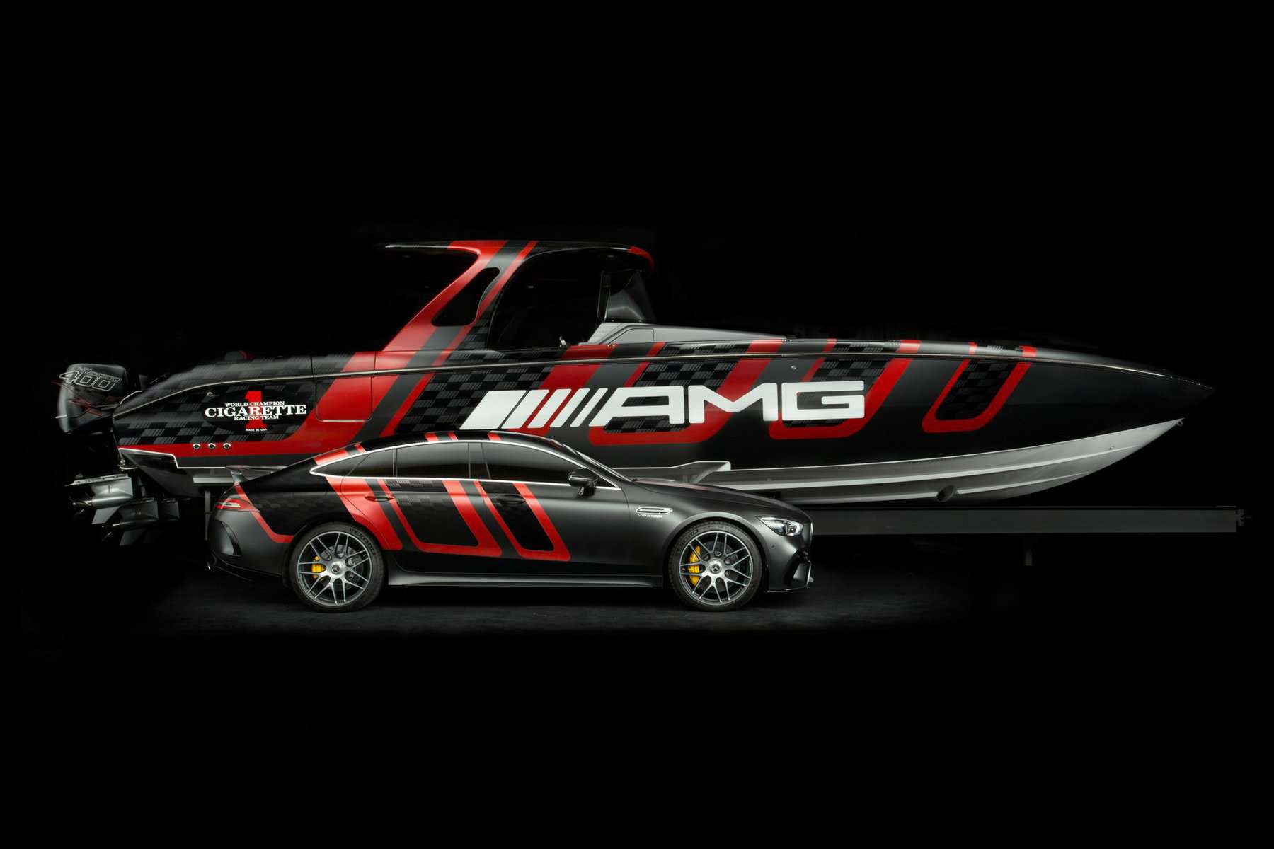 amg-carbon-edition-speedboat-from-mercedes-amg-and-cigarette-racing-4