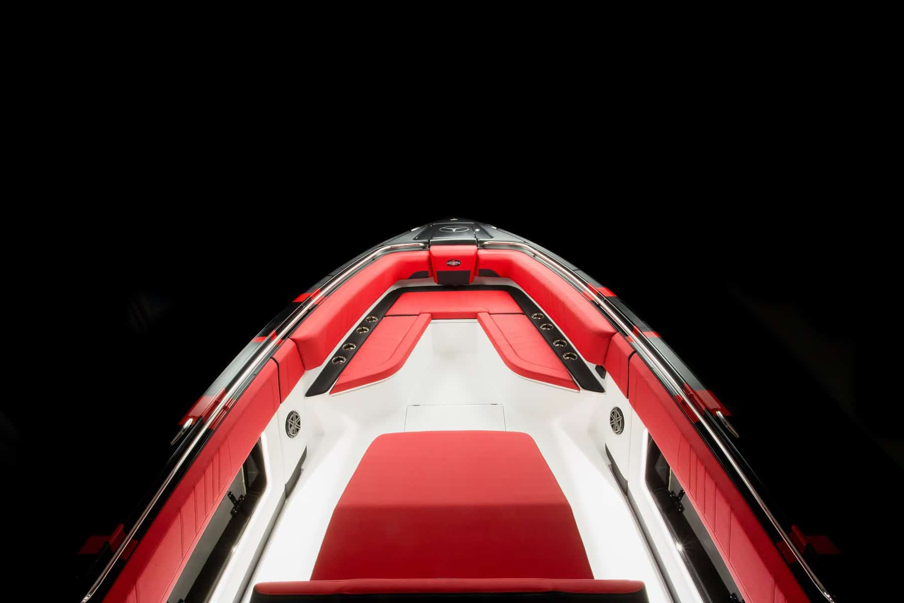 amg-carbon-edition-speedboat-from-mercedes-amg-and-cigarette-racing-8