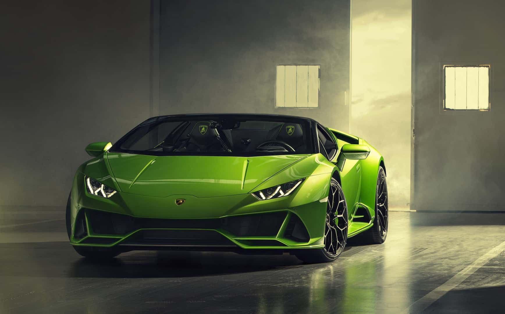 The Lamborghini Huracan EVO Spyder is Here to Impress Everyone