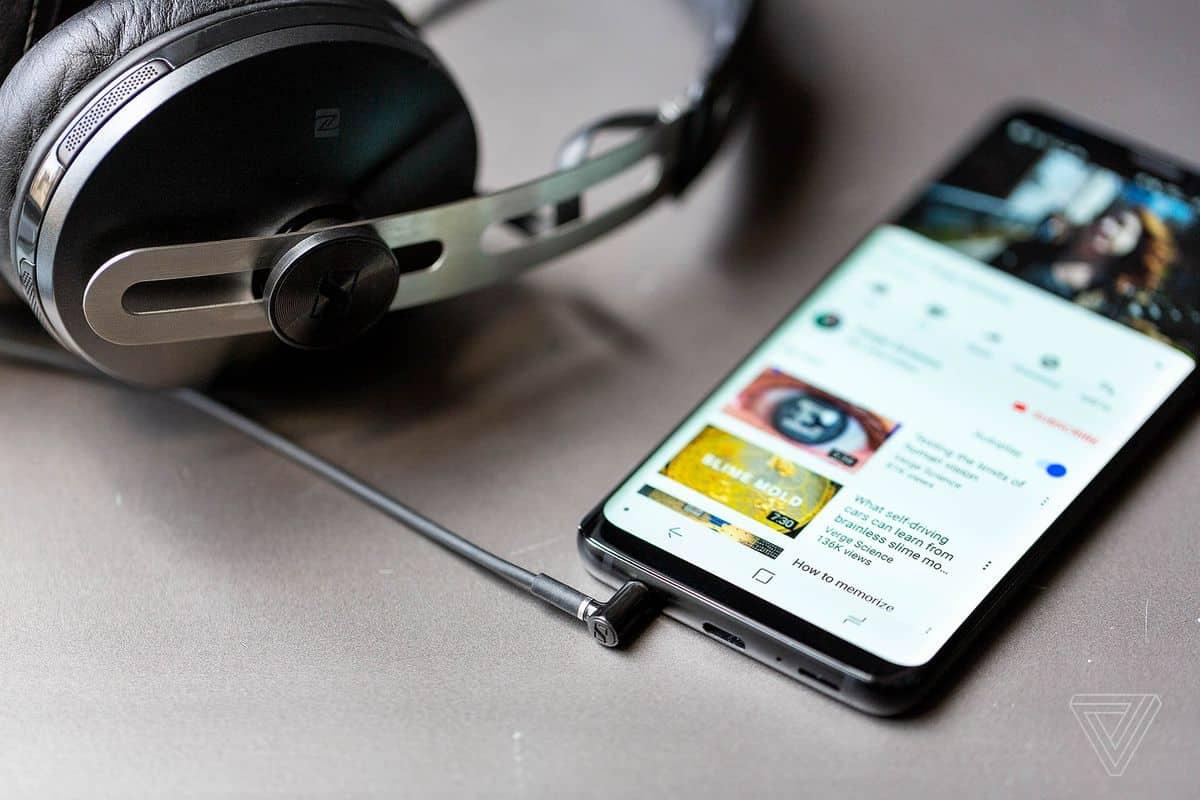 Phones with Headphone Jack