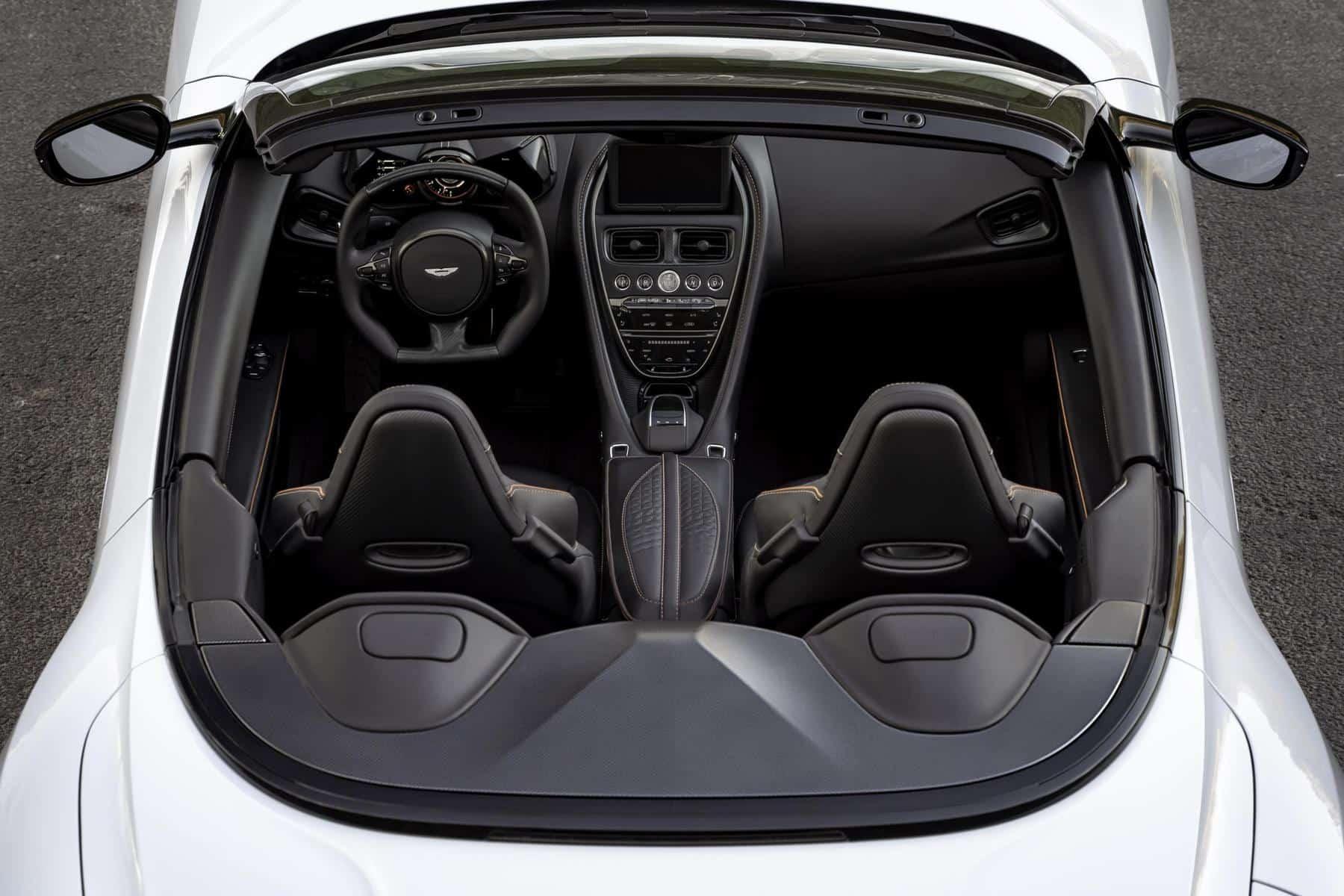 Aston Martin DBS Superleggera 11